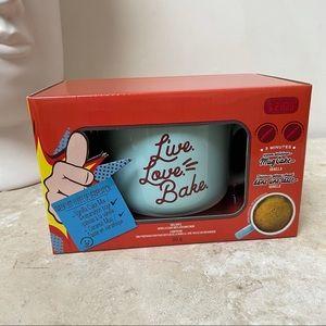 Giftable mug cake gift set with mug and mix NIB!